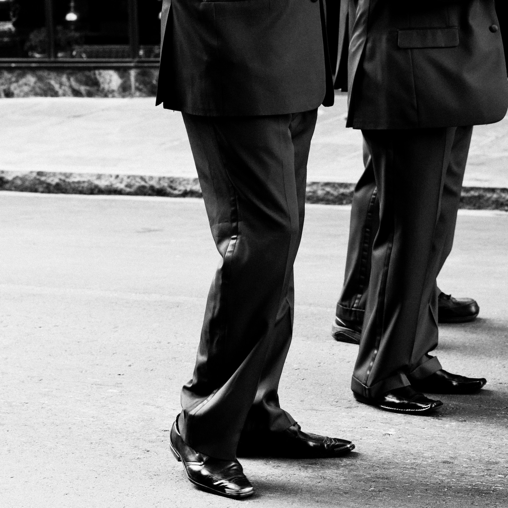 black-and-white-businessman-man-suit